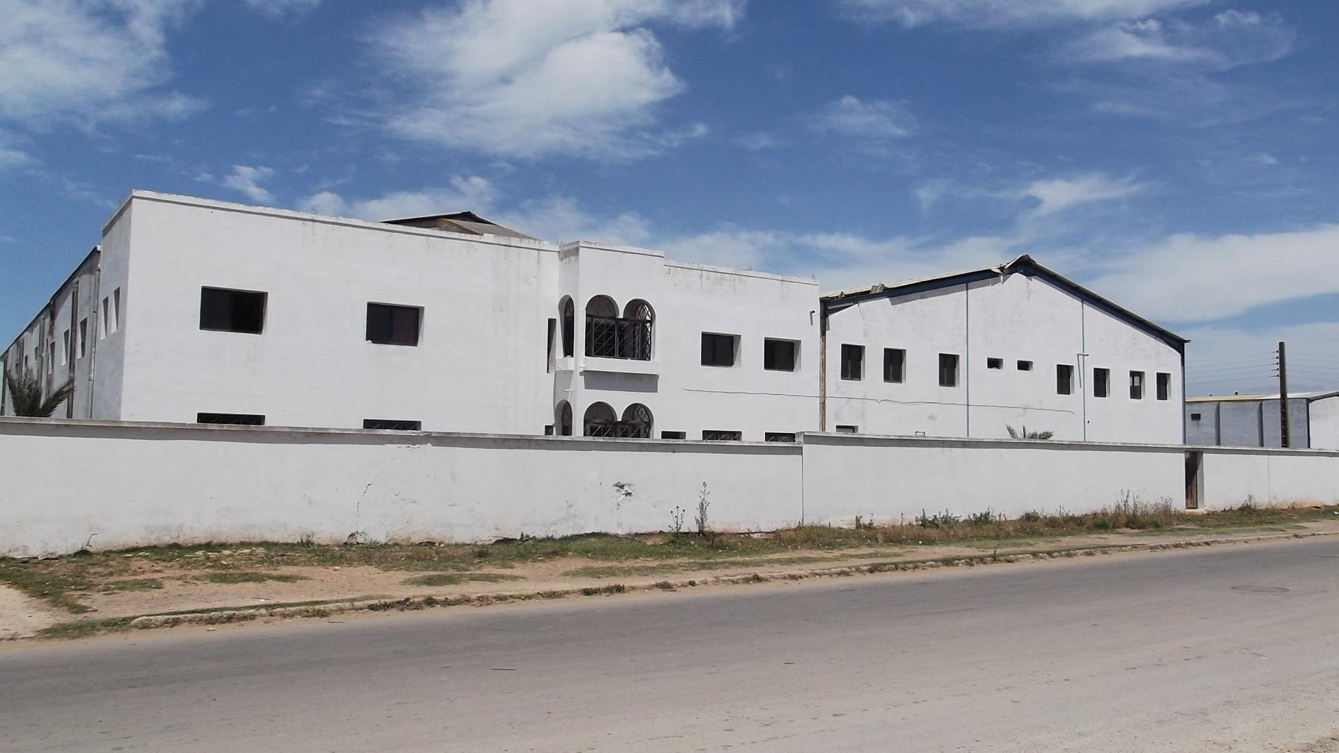 vente usine eljadida maroc usine vendre eljadida pas cher. Black Bedroom Furniture Sets. Home Design Ideas