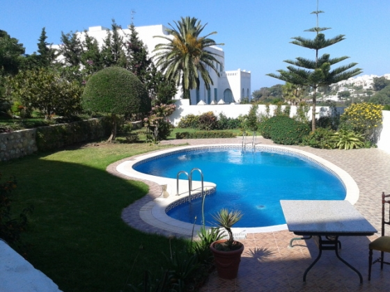 villa vendre tanger maroc avec piscine vente villa. Black Bedroom Furniture Sets. Home Design Ideas